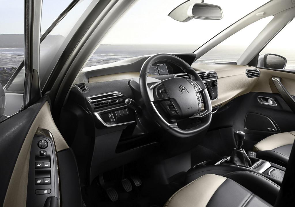 Citroën_C4_Picasso_-8