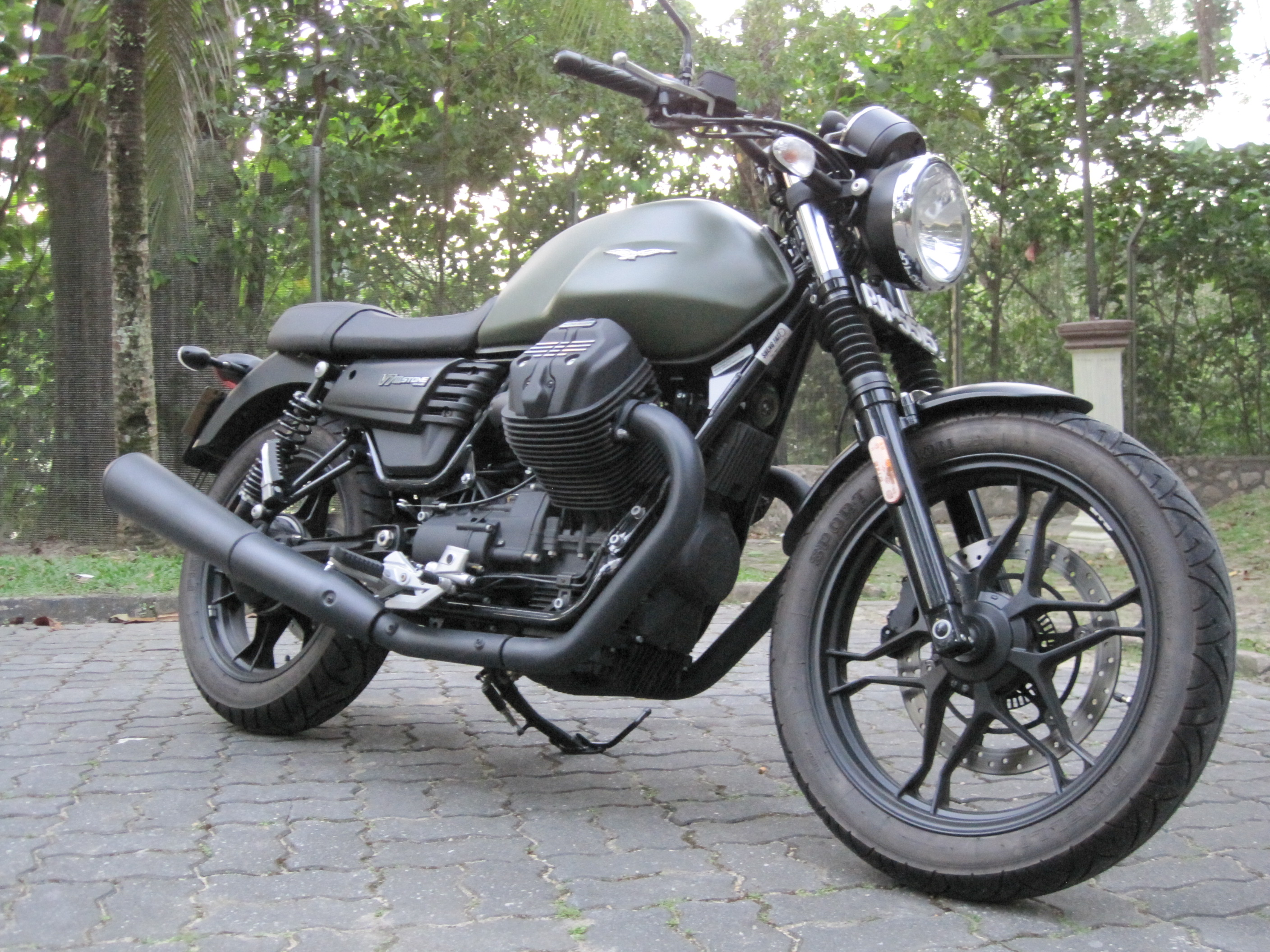 Bikes Moto Guzzi V7 Iii Stone You Need Big Stones To Ride This