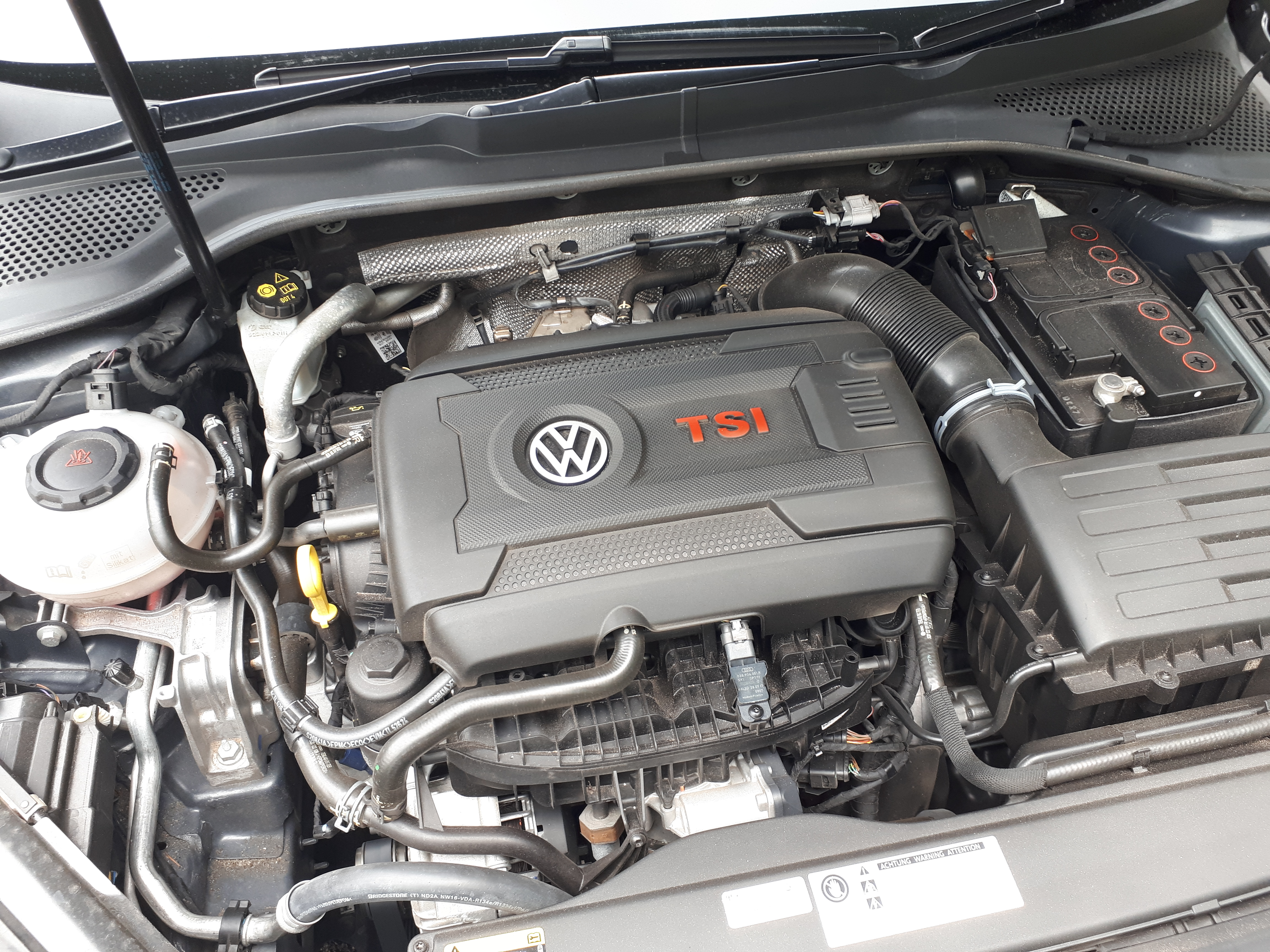 THROWBACK THURSDAY: VW Golf GTi 2 0 TSI Reviewed In 5-Minutes! [+