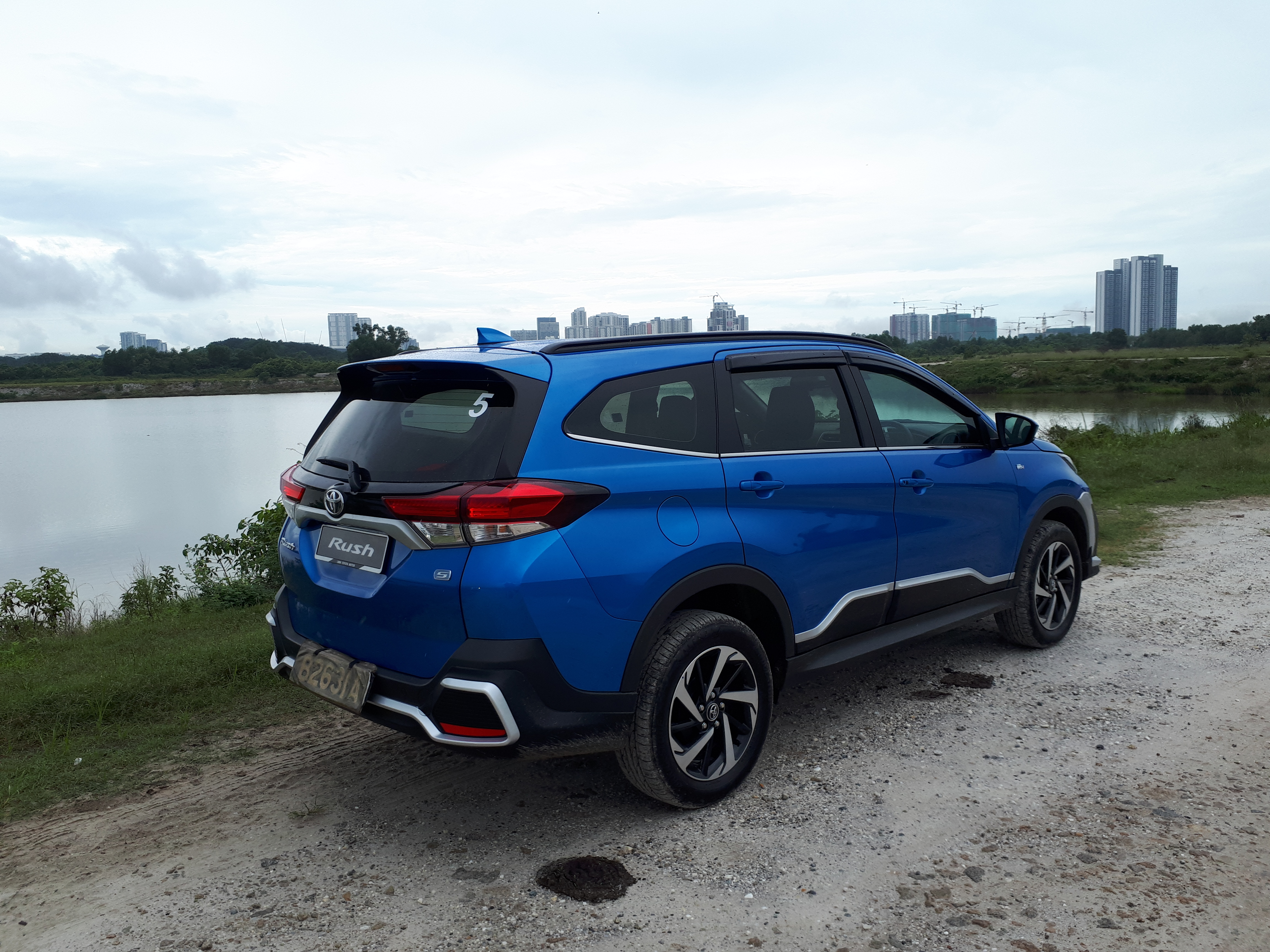 Feature All New 2019 Toyota Rush Suv Launched Videos Piston My
