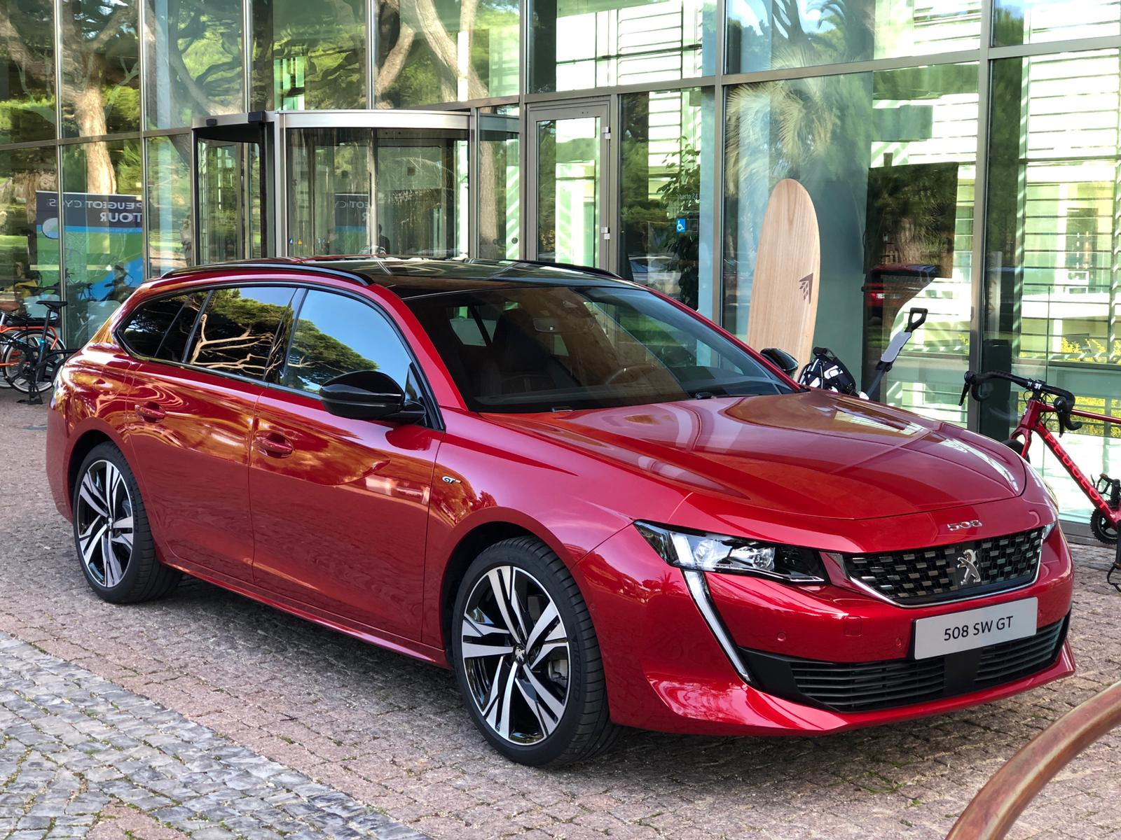 Peugeot 508 Voted Most Beautiful Car Of The Year 2018 Videos