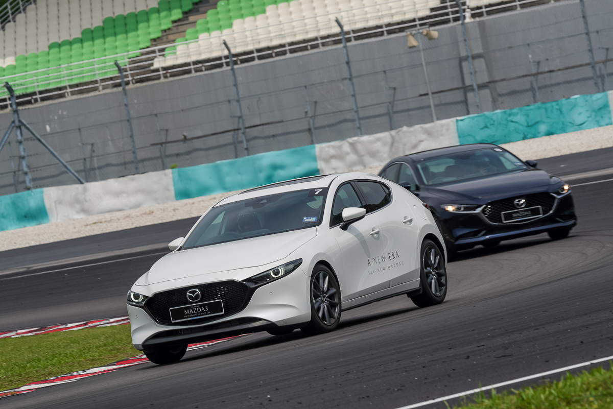 "FIRST DRIVE: 2019 Mazda3 ""Japan's Art of Motion"" - News and"