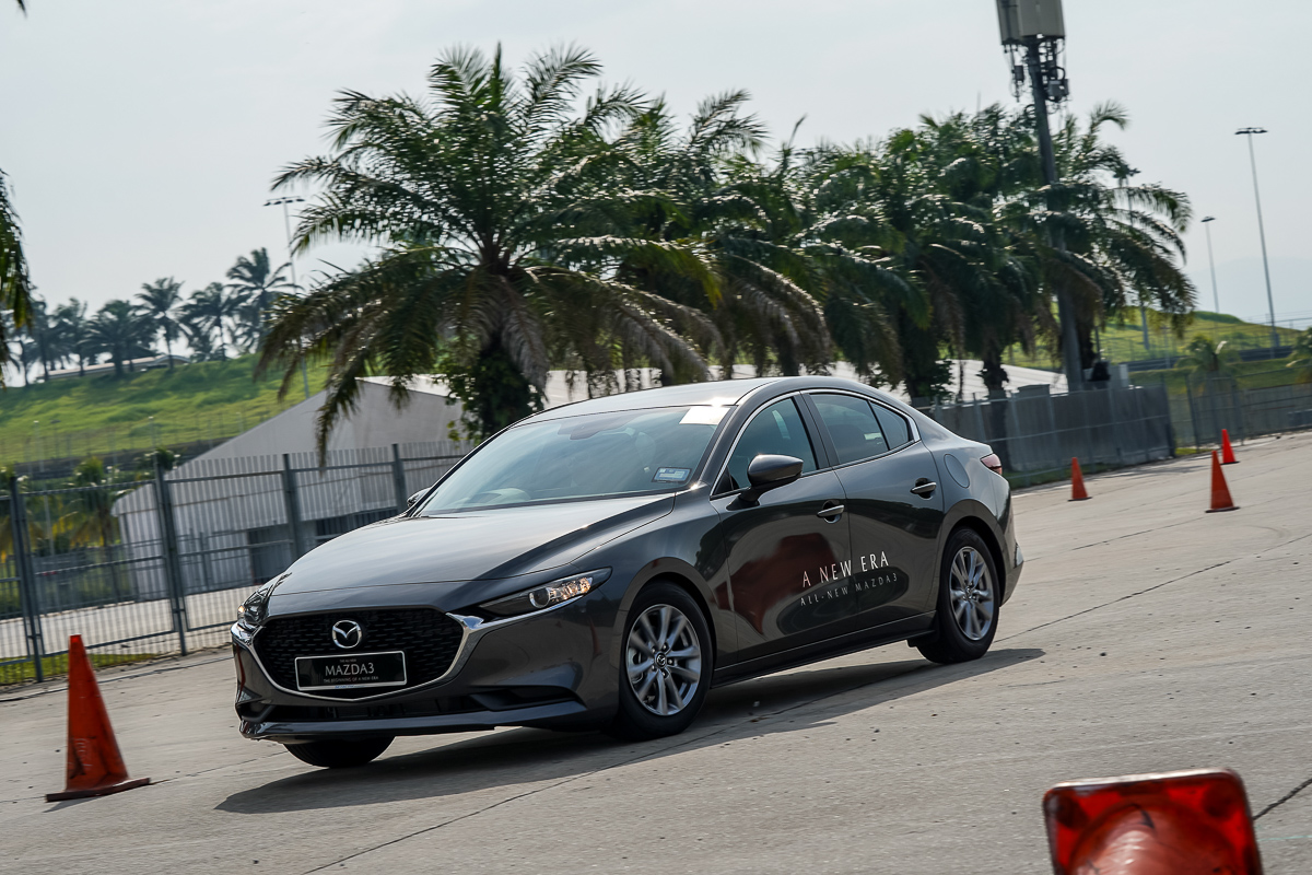 """FIRST DRIVE: 2019 Mazda3 """"Japan's Art of Motion"""" - News and"""