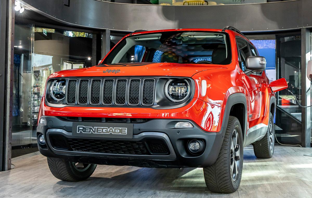 2020 Jeep Renegade Plug-In Hybrid previewed in Paris ...