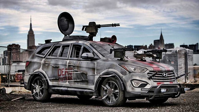 Hyundai Santa Fe Zombie Survival Machine 2013 (1)