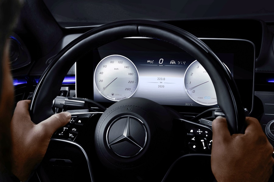 Mercedes-Benz MBUX in new S-Class