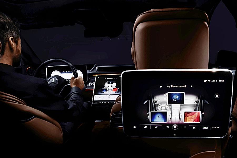 Mercedes-Benz MBUX