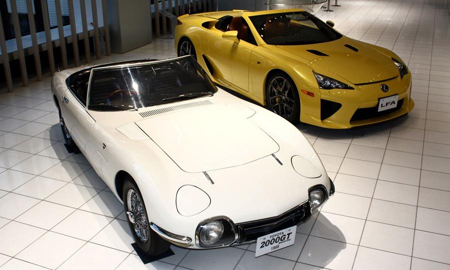 Toyota 2000GT and Lexus LFA