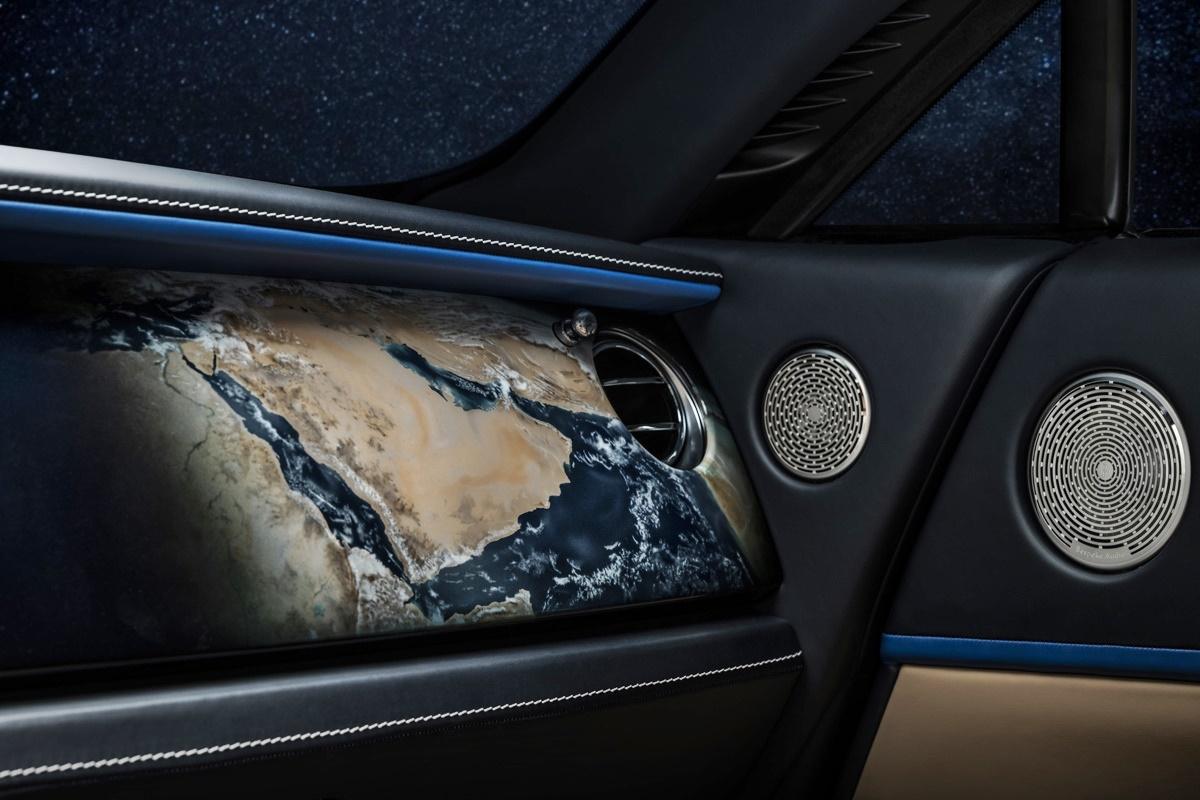 Rolls-Royce Wraith Earth Car