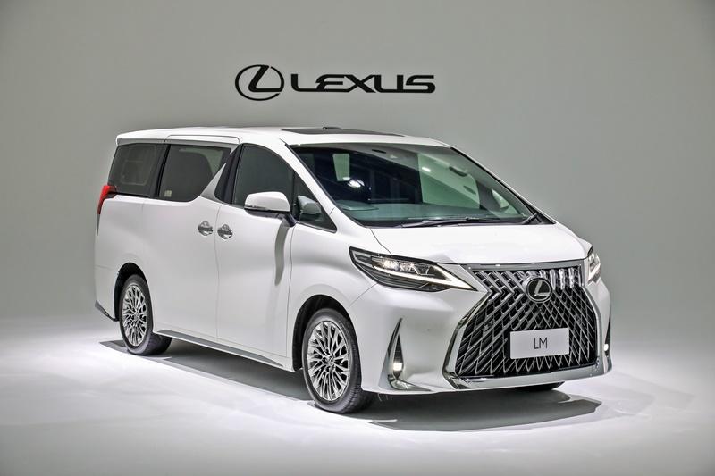 2021 Lexus LM 350